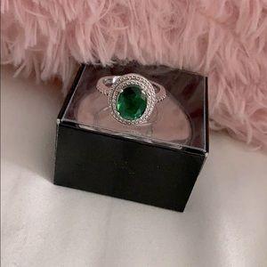 Greet garnet ring